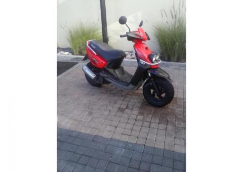 Preciosa motoneta YAMAHA bws 100 cm