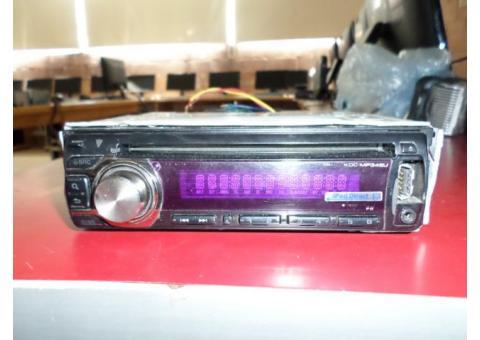Auto Stereo Marca KENWOOD Modelo KDC-MP345U