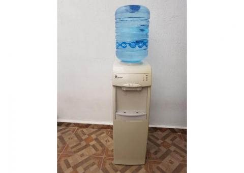 VENDO DISPENSADOR DE AGUA