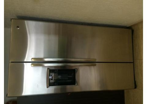 Refrigerador seminuevo Side by Side marca GE Profile